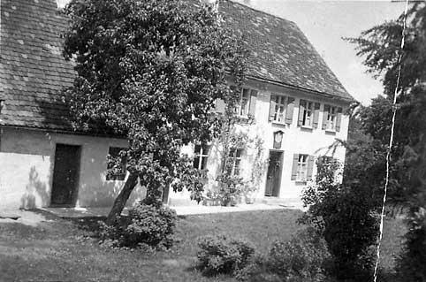Historischer Rückblick:   Das ehemalige Forsthaus des Ökonomiegutes Emersacker