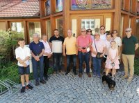 Tochter und Sohn des ehemaligen Schlossgutpächters Metzger besuchen Emersacker